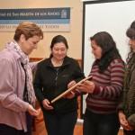 La Intendente de San Marttin de los Andes Cristina Fruguni en el reconocimiento a la Comunidad Maupche Vera por su participacion y compromi