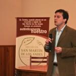 Subsecretario de Desarrollo Económico de San Martin de los andes Lic Gustavo Barraza explicando el Proyecto Sello de Origen